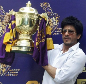 Shahrukh Khan with IPL trophy