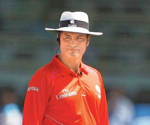 Simon Taufel resigns