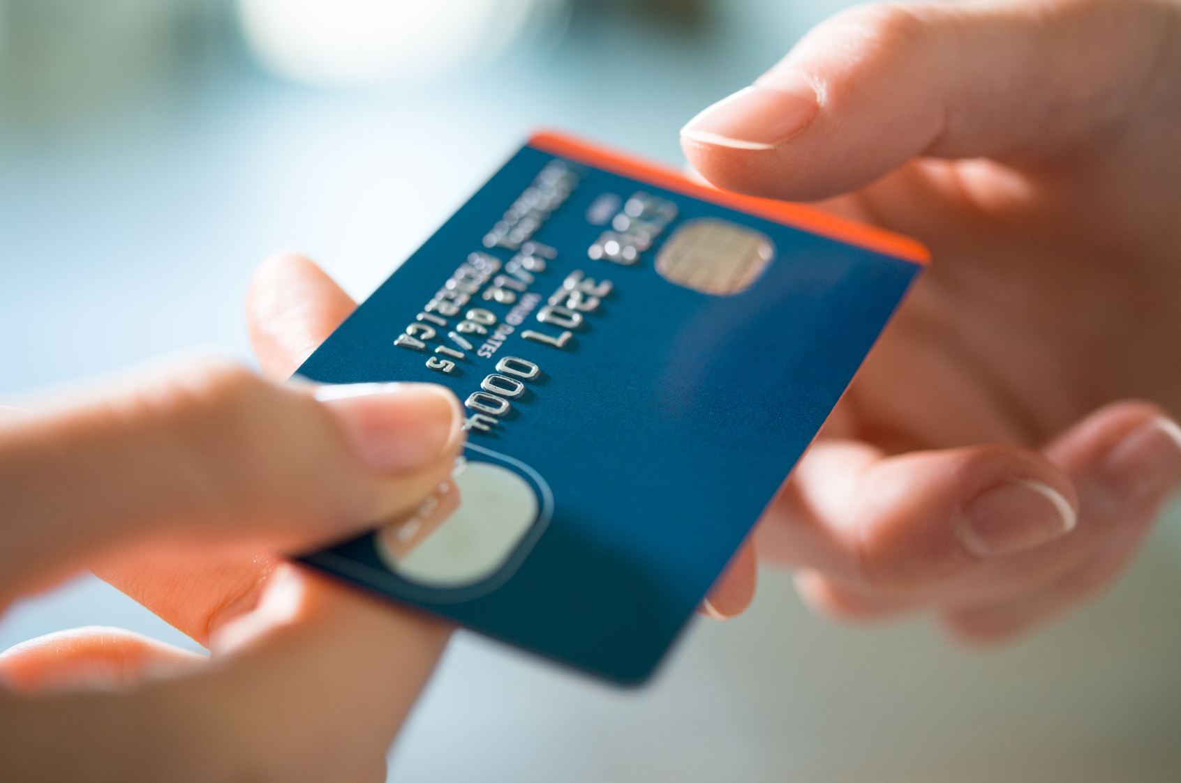 The Pros and Cons of Credit Cards - International inside