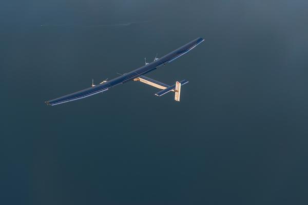 Solar Impulse 2 breaks a new record in landing