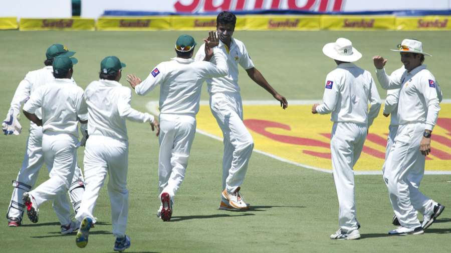 "Pakistan gets it's ""DRS review"" restored after an umpiring error"