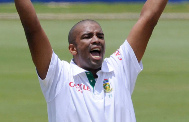 South Africa bowler Philander ruled out of the Test series with freak injury