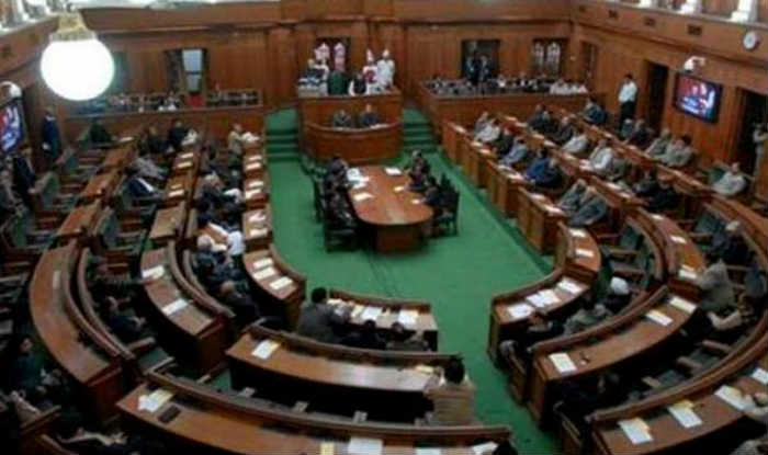 Delhi MLA's salaries hiked by 400%!