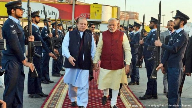 Pak court rejects plea challenging Narendra Modi's visit to Lahore on Dec 25