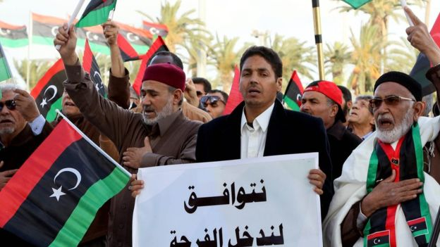 Libya's leaders move to Tripoli to discuss power bid