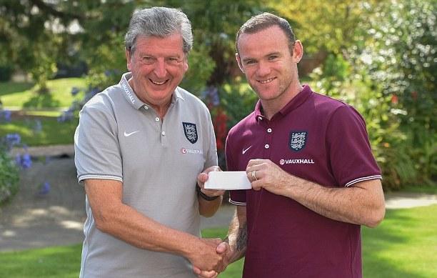 Roy Hodgson backs Wayne Rooney for big 2016 Euro role