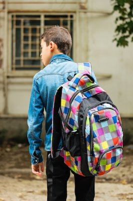 CBSE asks schools to keep student bags light