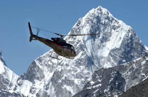 Mount Everest avalanche fears due to helicopter flights