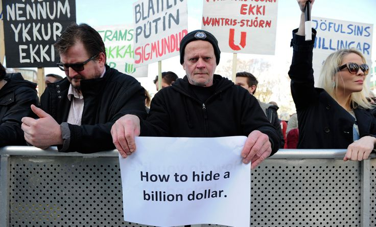 Panama Papers: Protesters demand resignation of Iceland PM