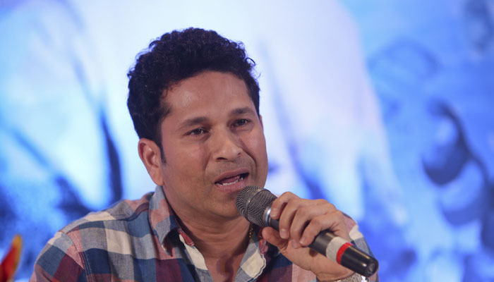 Players can learn a lot from Anil Kumble : Sachin Tendulkar