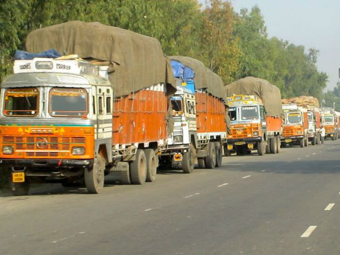 Delhi's air pollution: Two lakh heavy diesel vehicles ordered to go off roads
