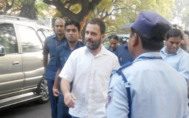 Rahul Gandhi stands in queue to exchange old notes, slams the government for torturing poor people