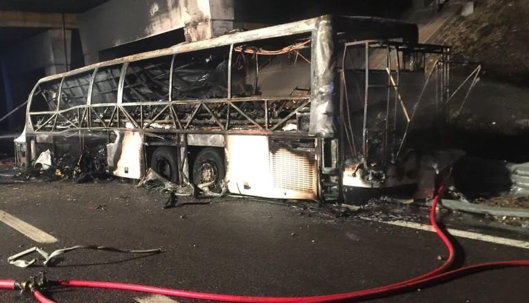 Italy school bus crash leaves more than a dozen dead