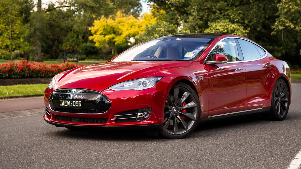 Tesla will not be ordered to recall its semi-autonomous cars in the US, following a fatal crash in May 2016
