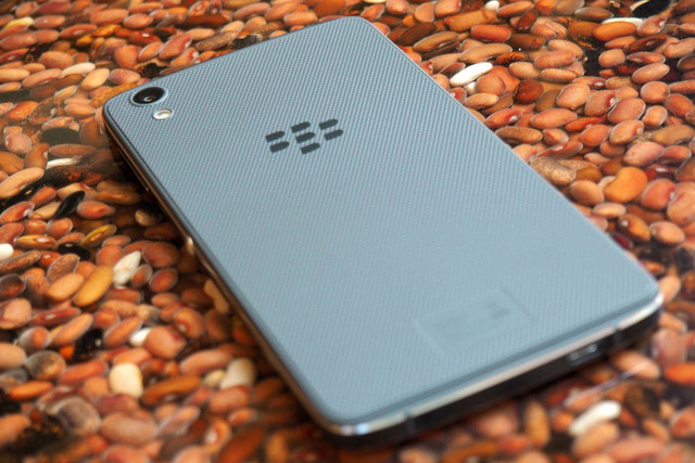 Blackberry sues Nokia