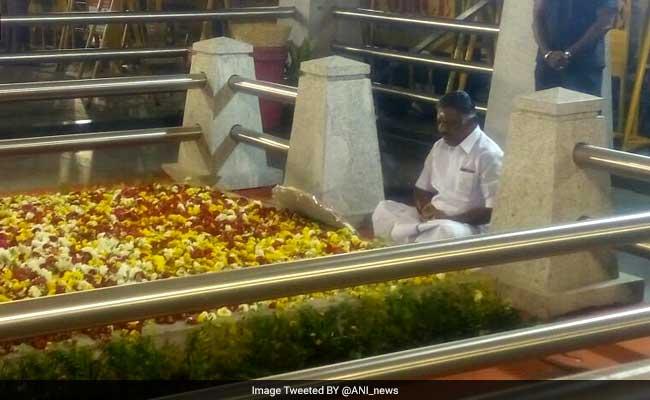 O Panneerselvam revolts against Sasikala: Ten key developments in Tamil Nadu