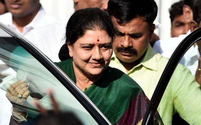 Tamil Nadu politics heats up, intelligence chief goes on leave