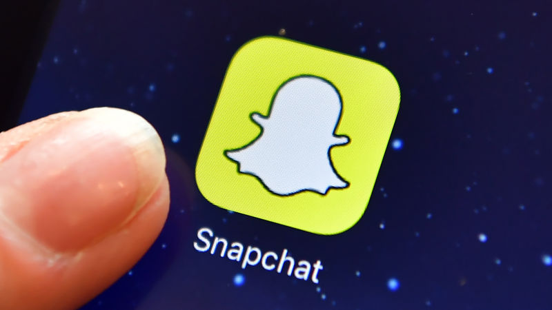 Owner of Snapchat ready to go public despite making loss