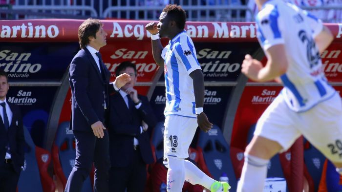 Pescara Midfielder Booked