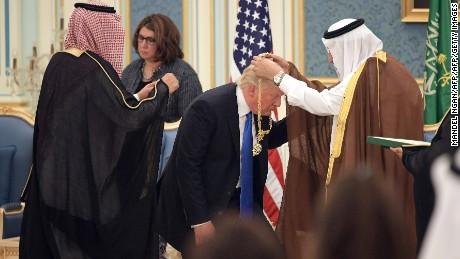 Trump in Saudi Arabia: US President meeting with Arab leaders ahead of major speech